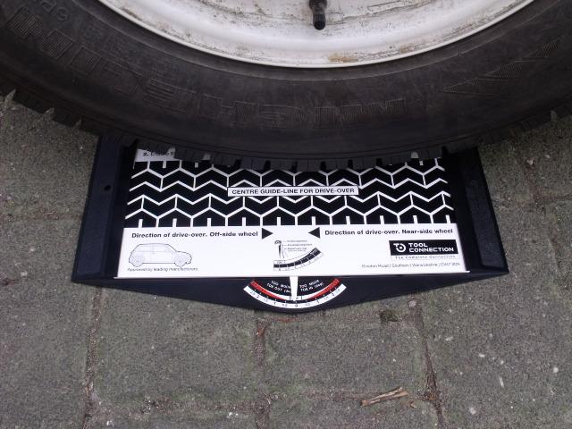 gunson g4008 trakrite wheel alignment gauge keep your car. Black Bedroom Furniture Sets. Home Design Ideas